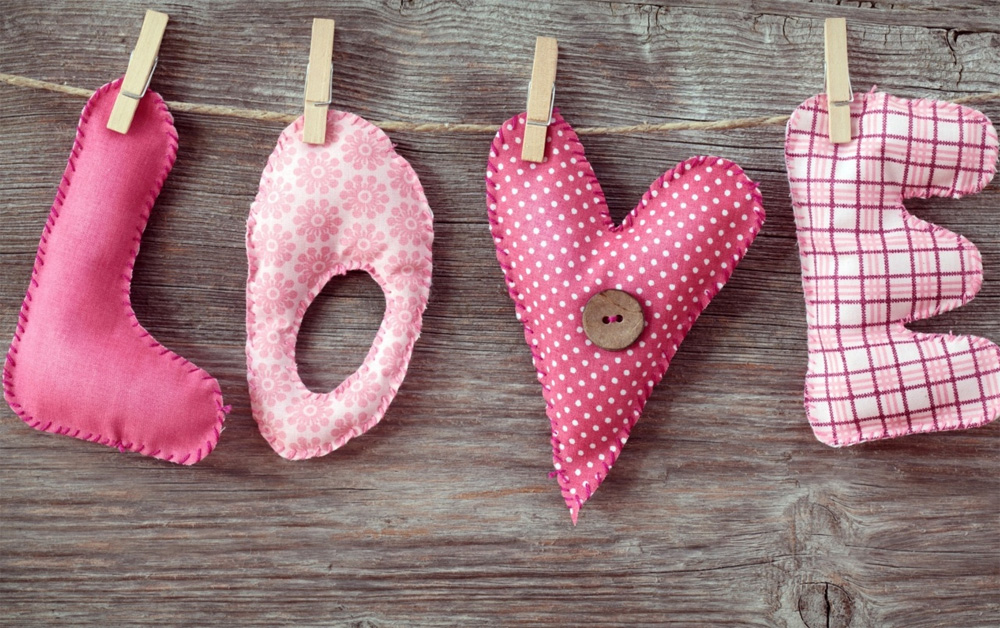 30+ Lovely Valentine Day Wallpapers To Spice Up Your Desktop ...