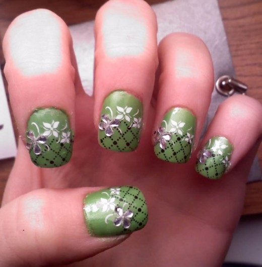 30 Most Exquisite and Creative Nail Art Designs | GraphicsBeam